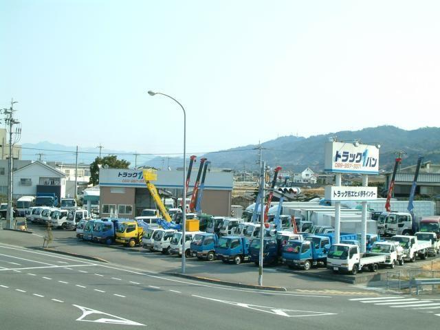 トラック1バン松山
